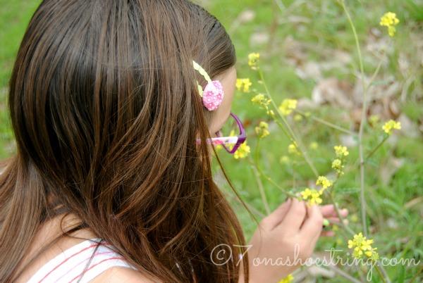 Springtime scavenger hunt flower garden