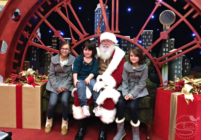 Come Experience the Holidays at Galleria Dallas