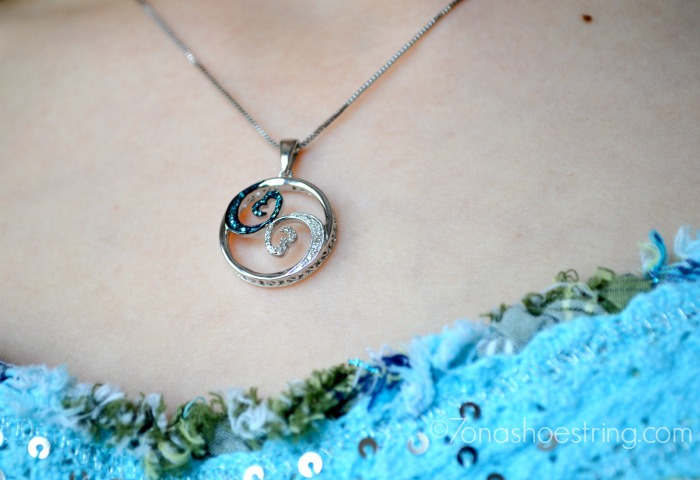 Open Hearts Waves Collection : Blue and White Diamond Necklace