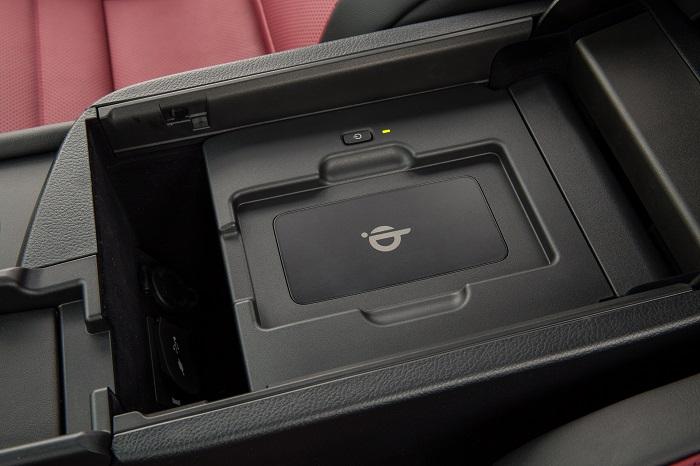 2015 Lexus NX 200t F SPORT phone charger