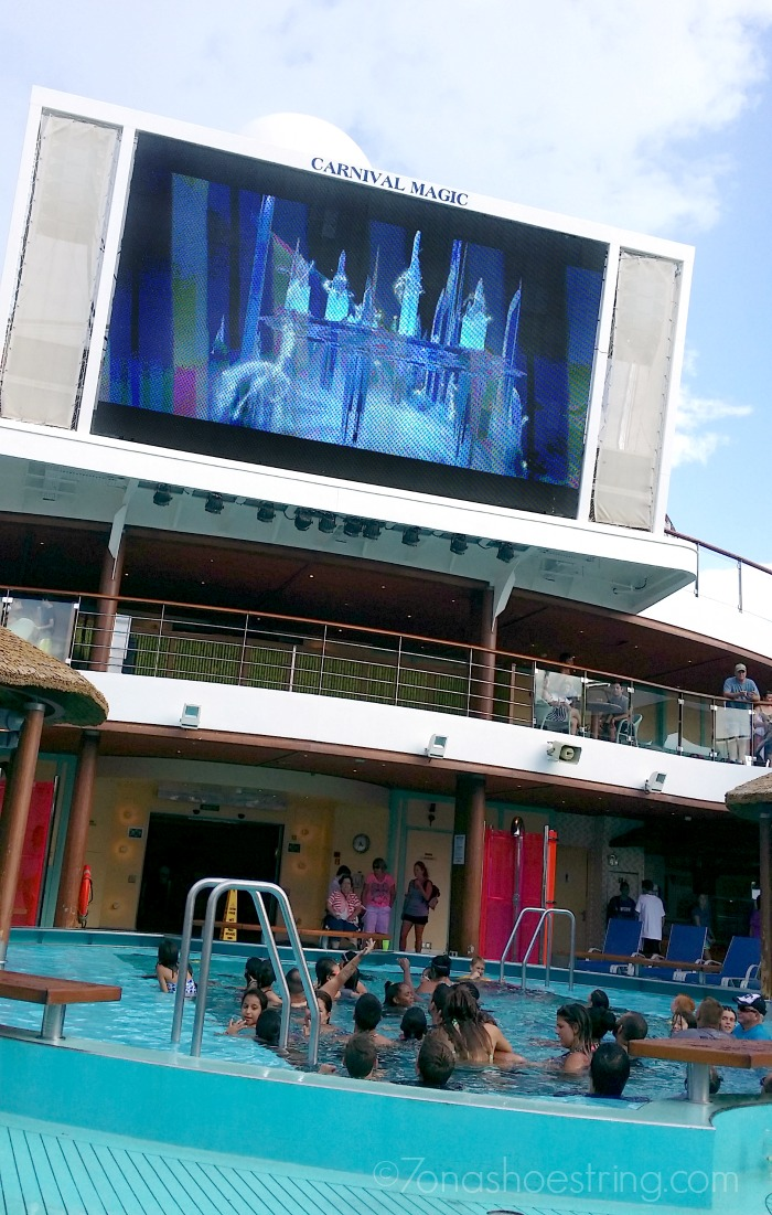 dive-in movie Carnival Magic