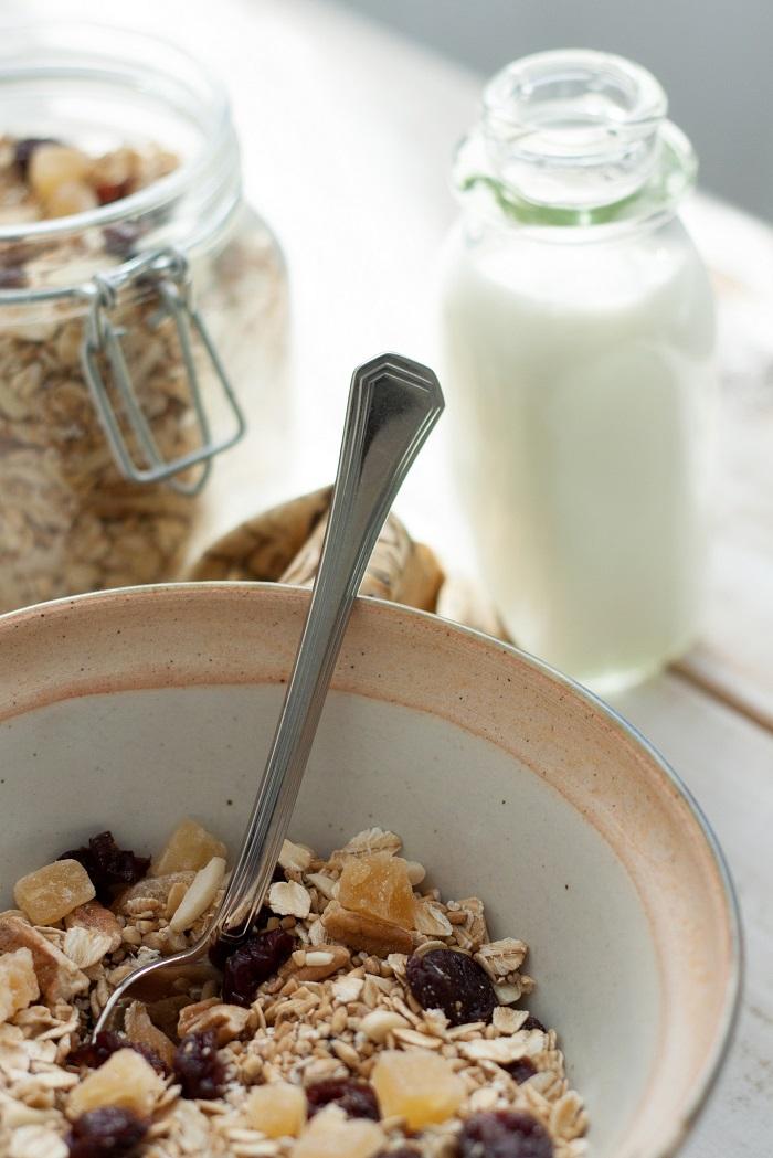 milk and oats breakfast