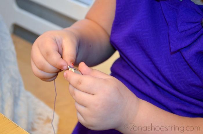 preschool party necklace craft