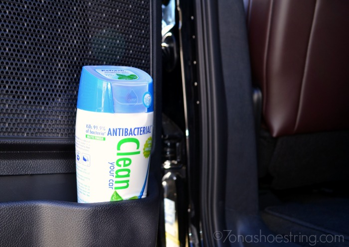 Antibacterial clean wipes from Refresh Your Car