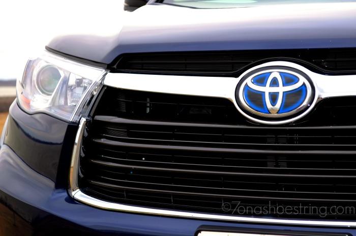 2015 Toyota Highlander grille