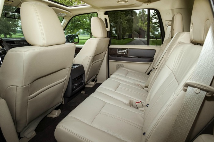 2015 Lincoln Navigator Middle Row