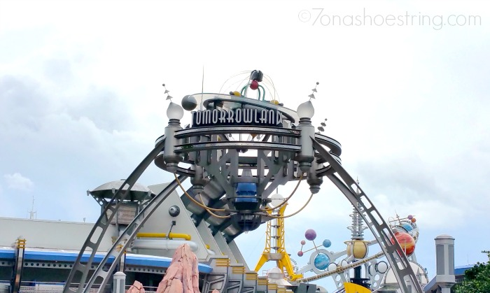Disney's Tomorrowland : The Story Behind the Movie
