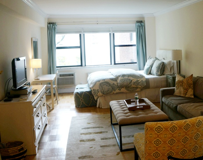 rent an apartment on a girlfriend getaway to new york city
