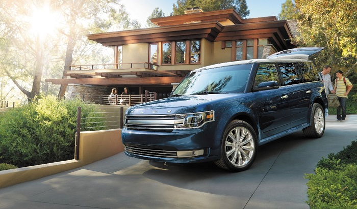 If You Want the Capacity of a Minivan but Don't Want to Drive One :: 2015 Ford Flex