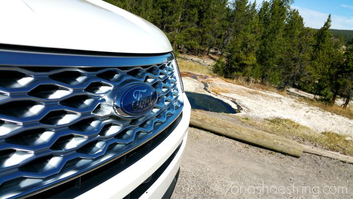 2016 Ford Explorer Platinum front fascia