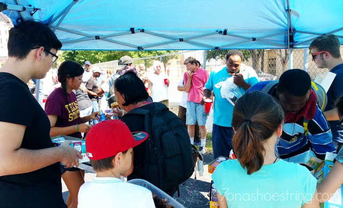 teaching kids to serve others - homeless
