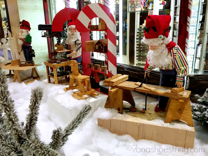 Christmas at the Anatole - Santas Workshop