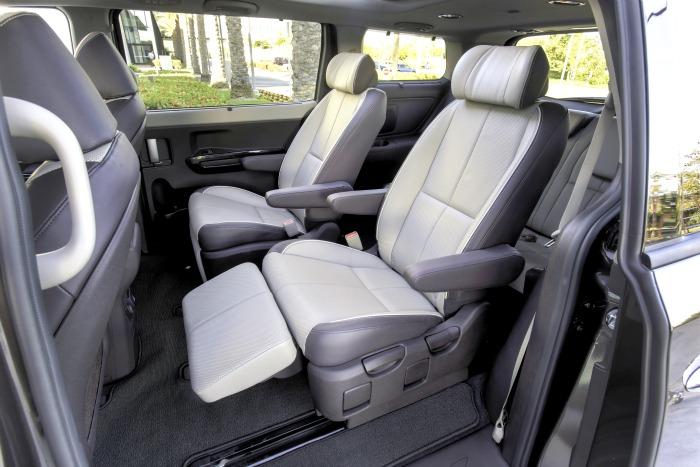 2016 Sedona EX lounge seating