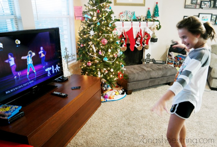 playing-Just-Dance-Disney-Party-2