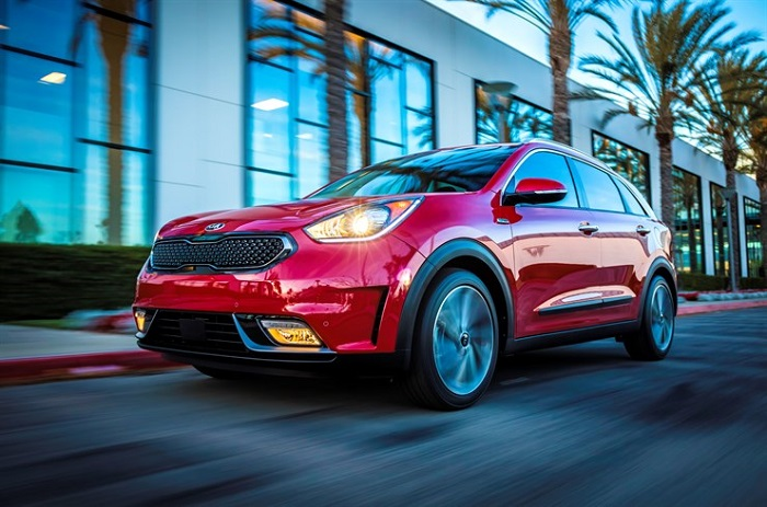 Kia Motors America Debuts New 2017 Vehicles at Chicago Auto Show