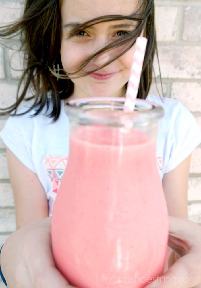 Sweet Grapefruit-Strawberry Smoothie