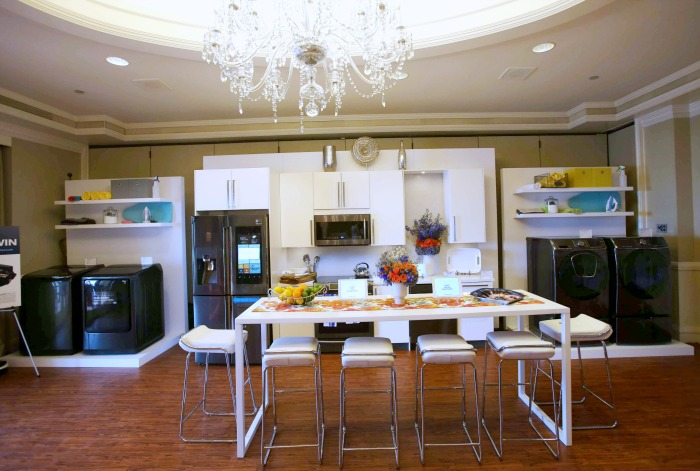 Samsung Appliances Take Over Best Buy Suite at Mom 2.0 Summit