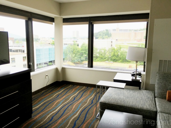 Holiday Inn Executive King Suite