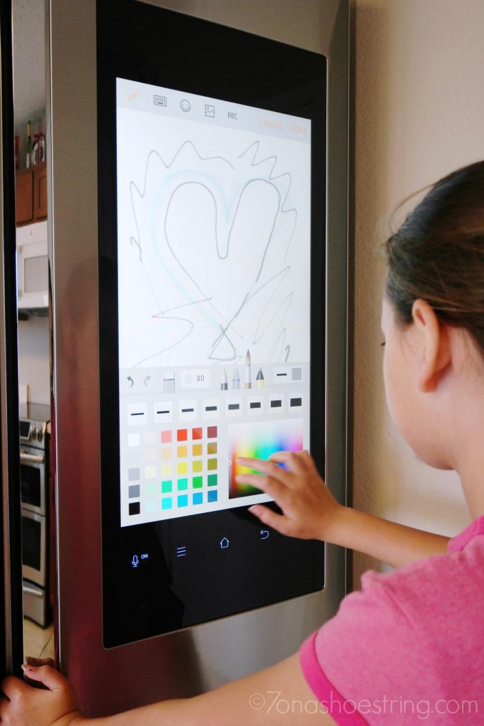Samsung-Family-Hub-whiteboard
