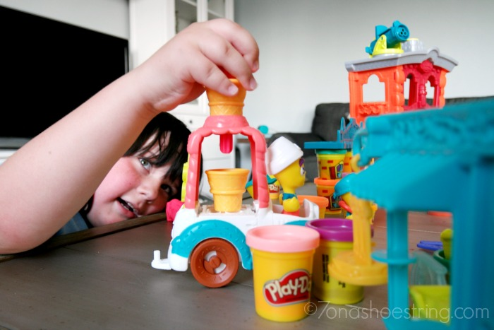 60th-Anniversary-PLAY-DOH-Town