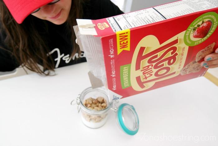 Strawberry-Tiny-Toast-cereal