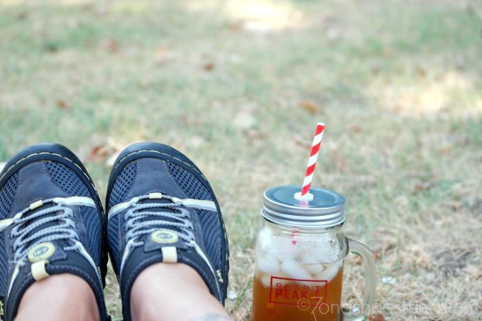 Gold-Peak-Tea-outdoor-break