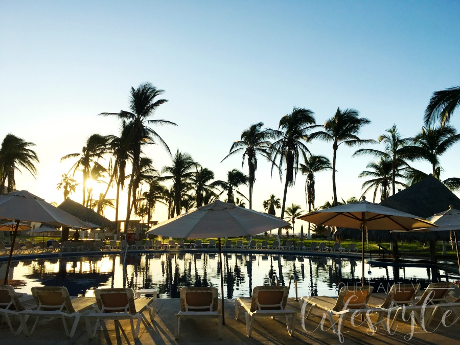 sunrise at Holiday Inn Los Cabos