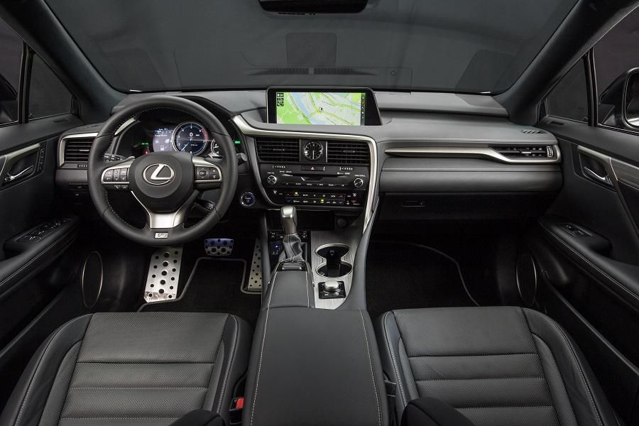 2017_Lexus_RX_connected technology
