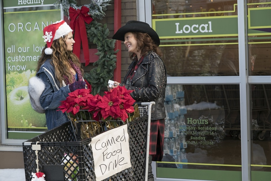 Kathryn Hahn and Susan Sarandon star in A BAD MOMS CHRISTMAS.