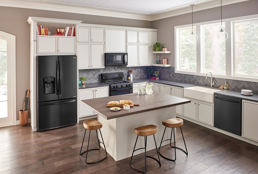 Smart Home Technology in the Kitchen with LG