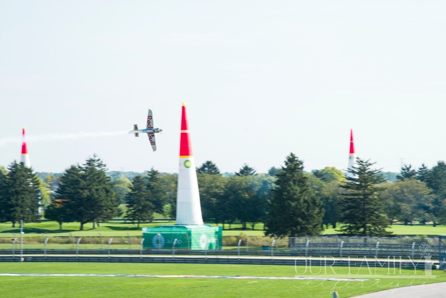 Red Bull Air Race pylon maneuvers