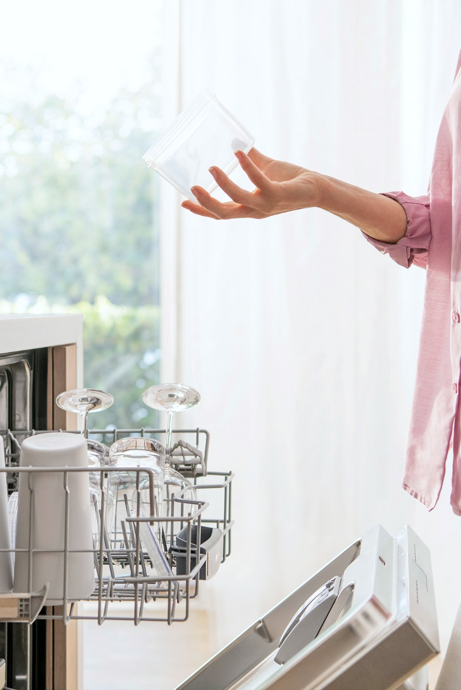 Little Fresh Air Equals a Lot More Dry: Bosch AutoAir 500 Series Dishwasher