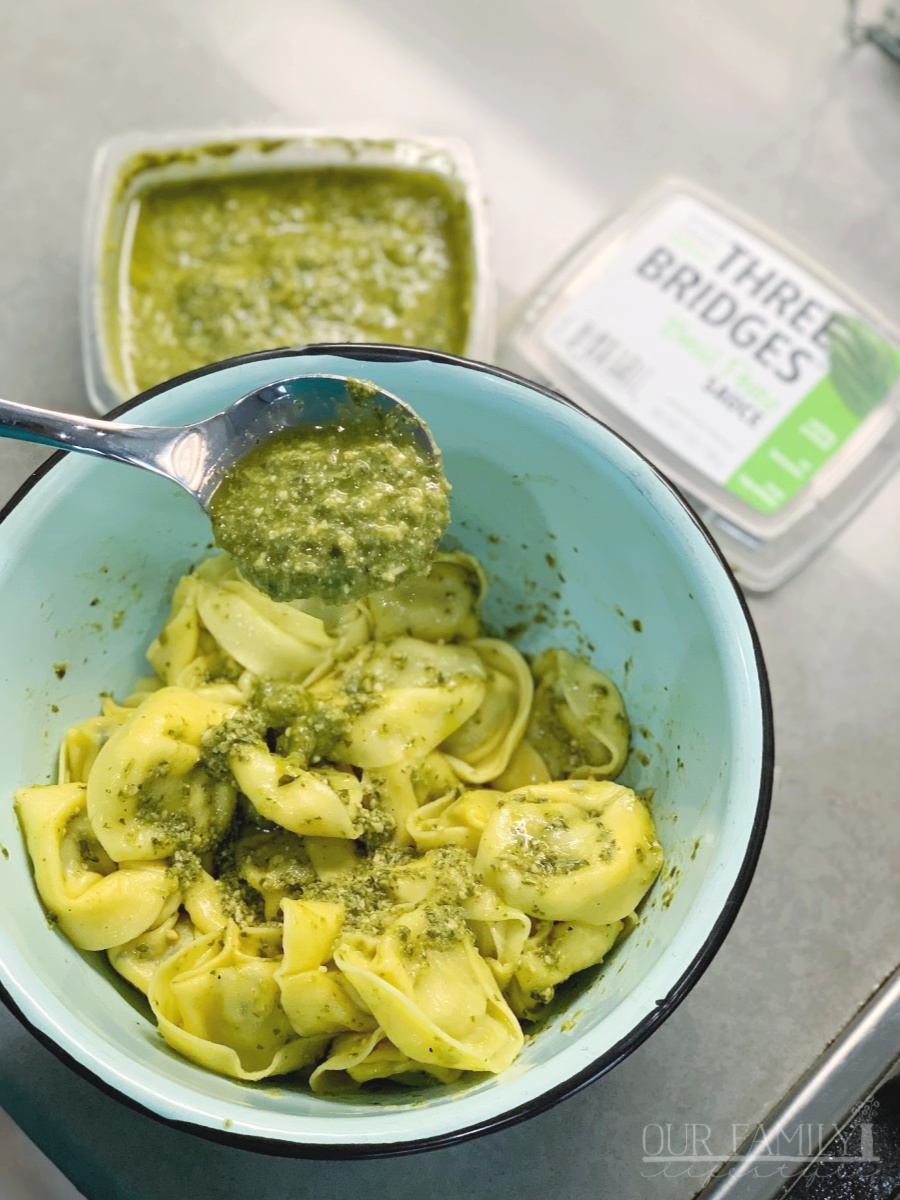 Spinach and Cheese Tortellini basil