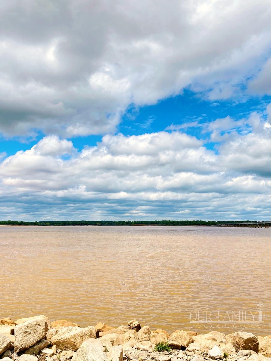 Texas Oklahoma Red River border