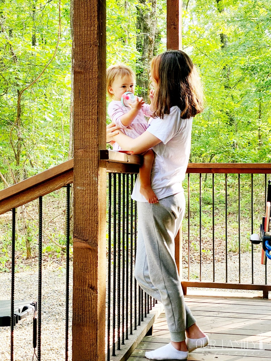 aunt and niece in Oklahoma cabin