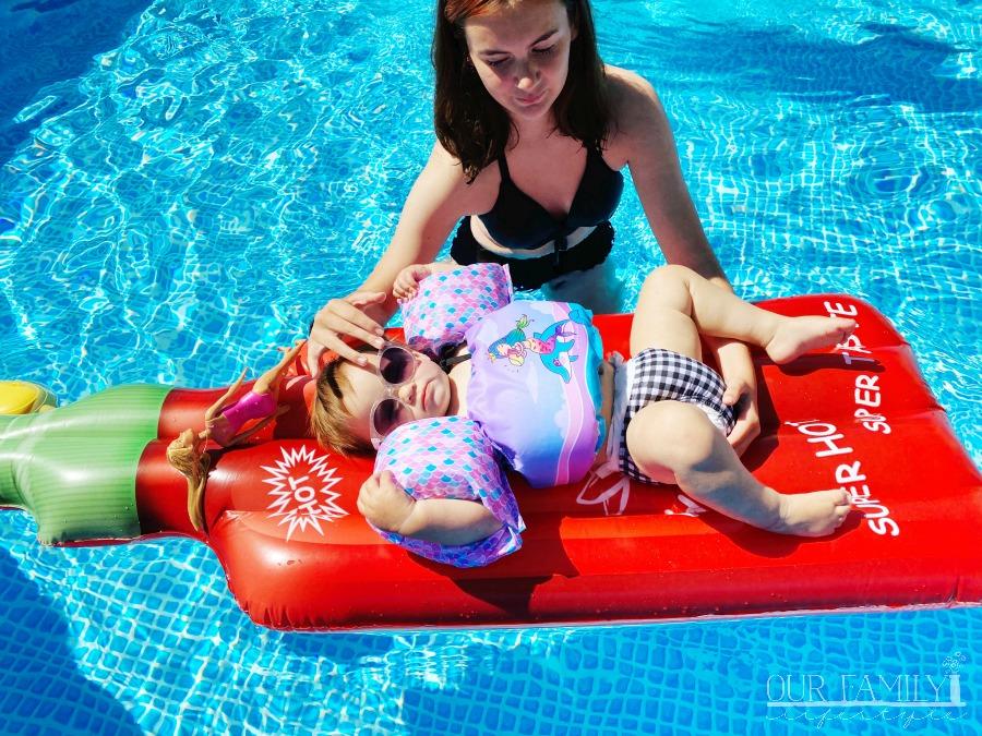 toddler swimming pool attire