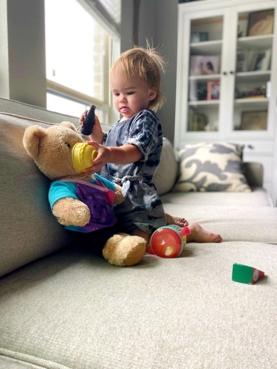 toddler pretend playtime