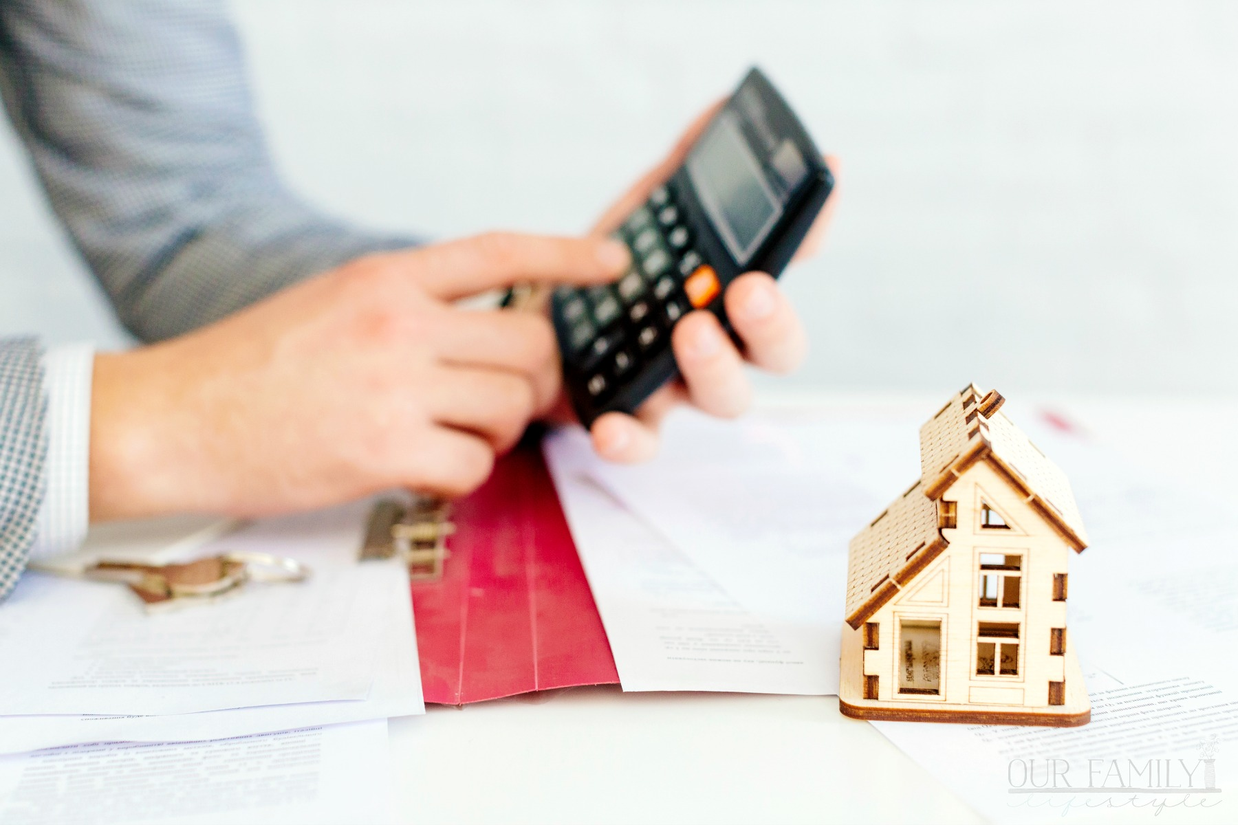 Advantages and Disadvantages of Reverse Home Loans