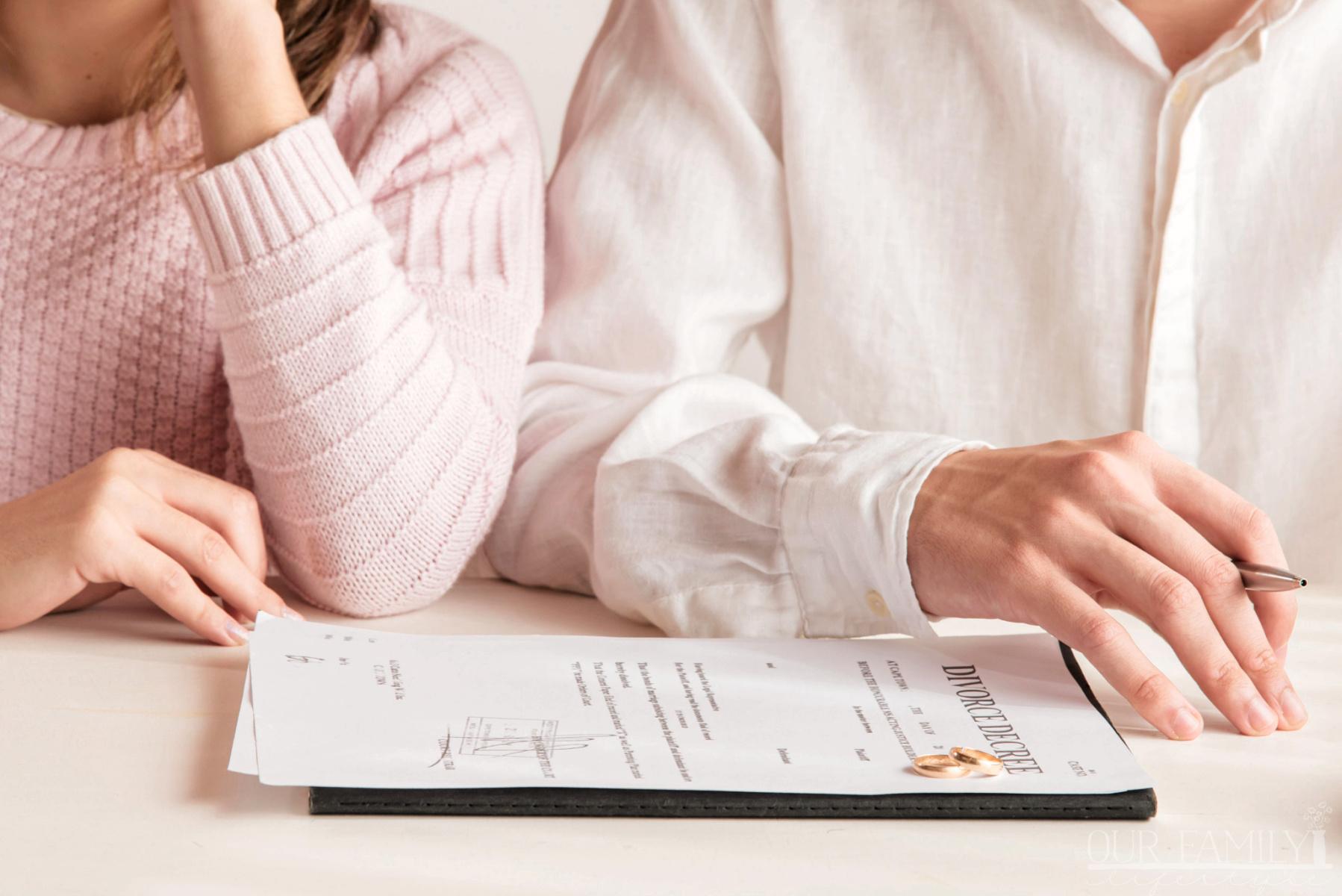couple-with-divorce-decree