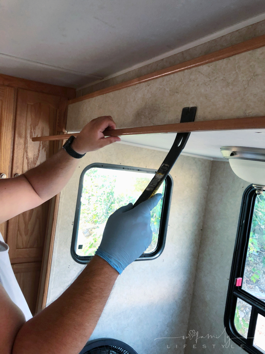 removing trim around rv travel trailer slide out