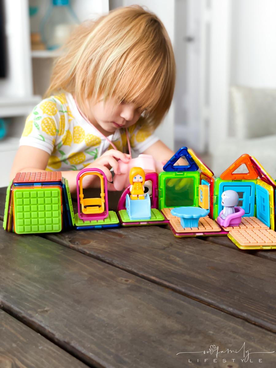 toddler creative play Magformers Backyard Adventure Set