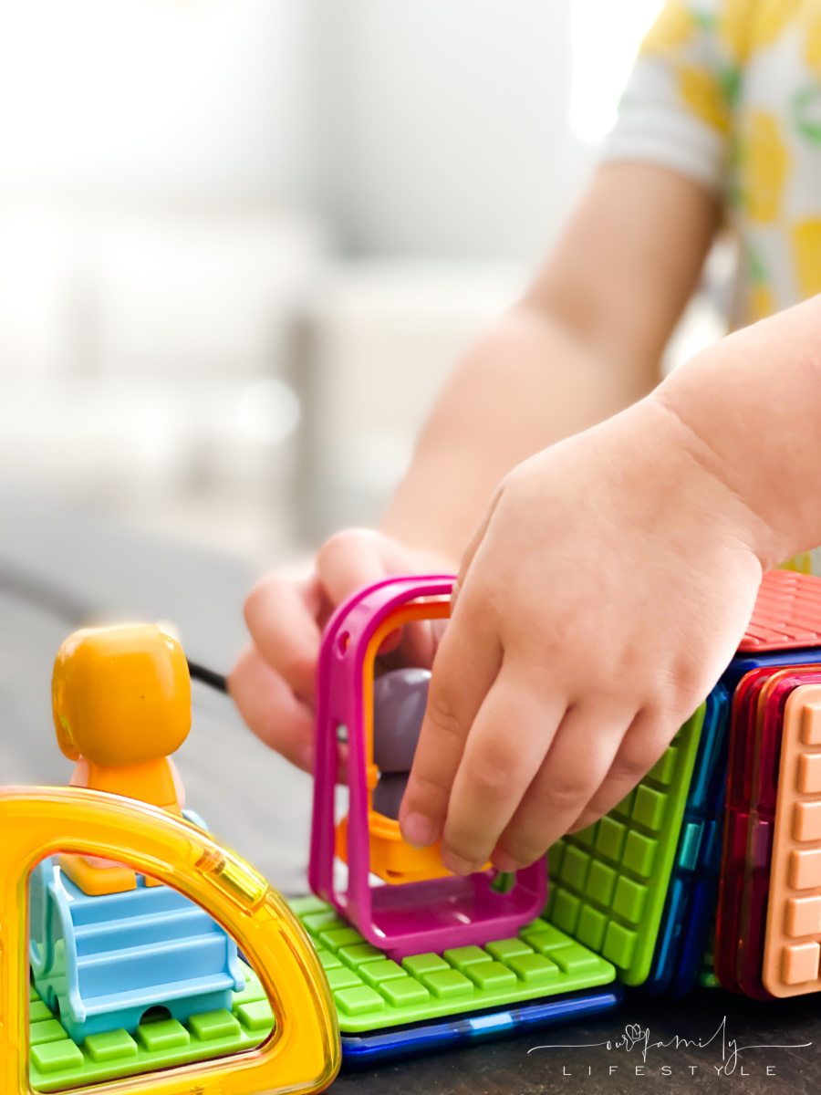 toddler fine motor skills with Magformers open-ended play set